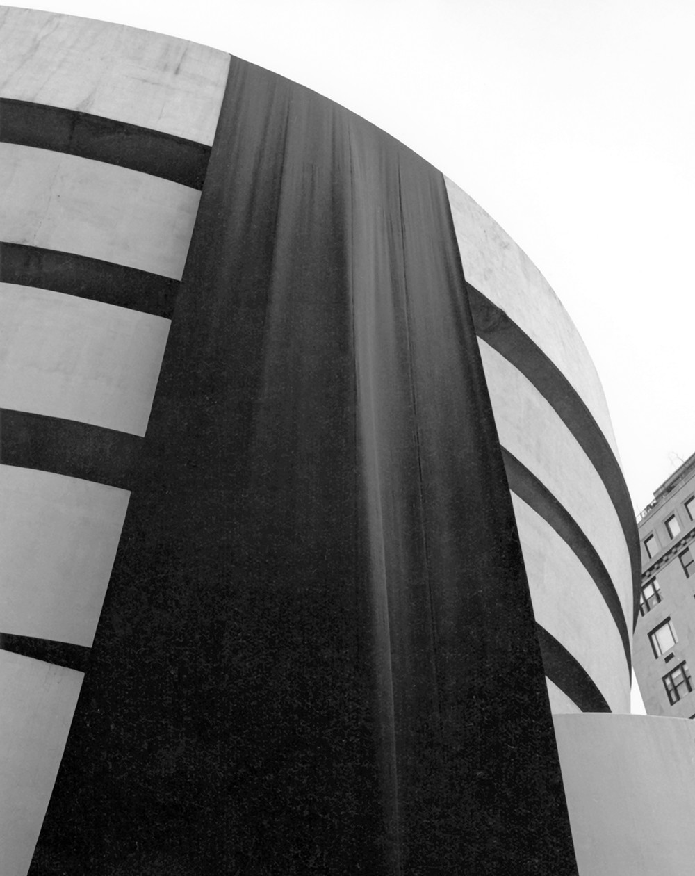 Medium exhibitions grid crop guggenheim day without rain